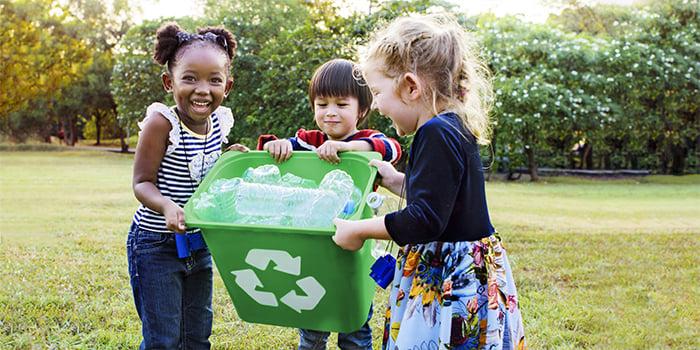 Kids-in-Park-wRecycling-Bin_742611010_700x350
